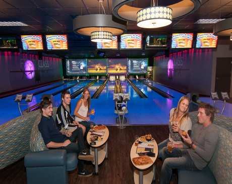 The 10 Best Bowling Alleys in Michigan!