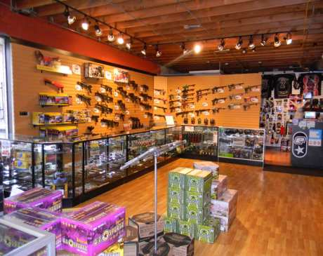 The 10 Best Sporting Goods Stores in Illinois!