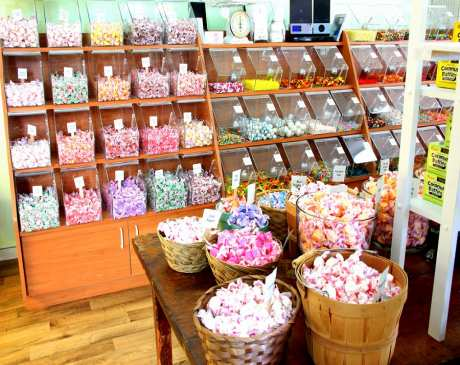 The 10 Best Candy Shops in Florida!