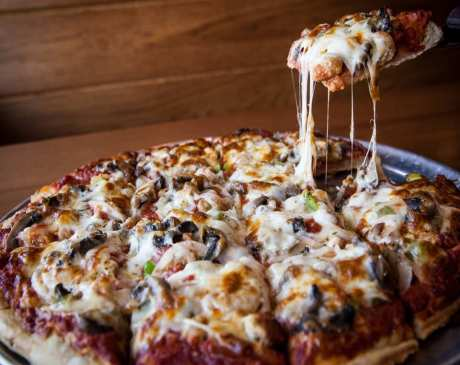 Best Pizza in Ohio: Our 10 Favorites!