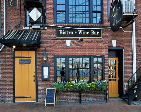 The 10 Best Wine Bars in New Hampshire!