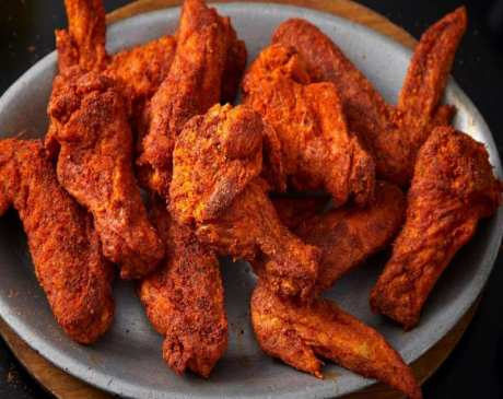 The 10 Best Wings in Illinois!