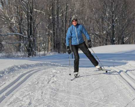 10 Best Cross-Country Skiing Trails in Michigan!