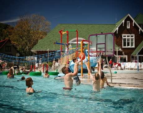 The 10 Best Hotels and Resorts for Families in Michigan!