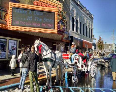 The 15 Best Holiday Shopping Destinations in Michigan!