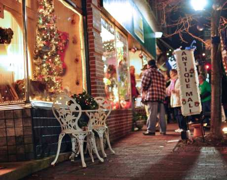 The 15 Best Holiday Shopping Destinations in Delaware!