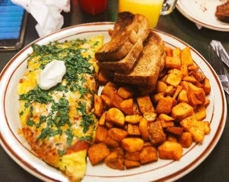 The 10 Best Omelets in Nevada!
