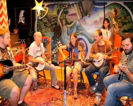 The 10 Best Live Music Venues in New Hampshire!