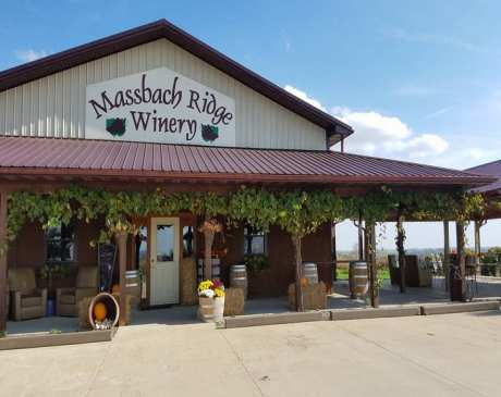 The 10 Best Wineries in Illinois!