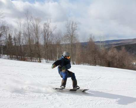 10 Best Skiing Spots in Connecticut!