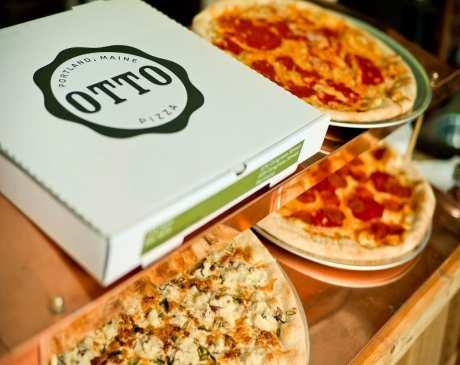 Best Pizza in Maine: Our 10 Favorites!
