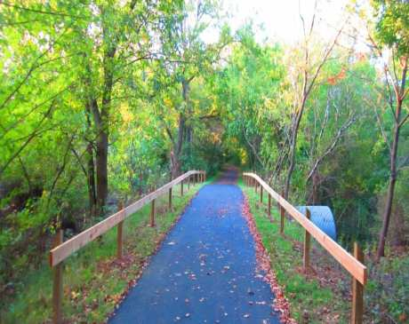 The 15 Best Hiking Trails in Illinois!