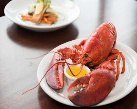 The 10 Best Seafood Restaurants in Connecticut!