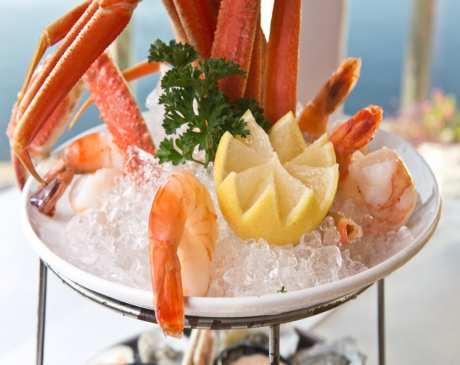 The 10 Best Places for Crab in Connecticut!