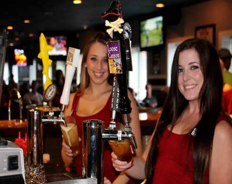 The 10 Best Sports Bars in Virginia!
