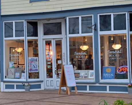 The 10 Best Bookstores in Virginia!