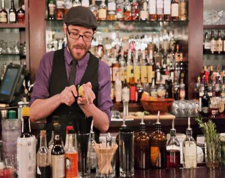 The 10 Best Cocktail Bars in Michigan!