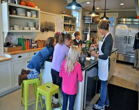 The 10 Best Cooking Classes in Connecticut!