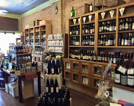The 10 Best Wine Bars in Missouri!
