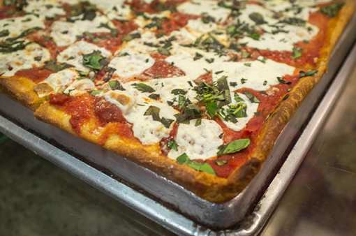 Best Pizza in Hawaii: Our 10 Favorites!