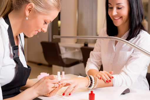 The 10 Best Nail Salons in Kansas!