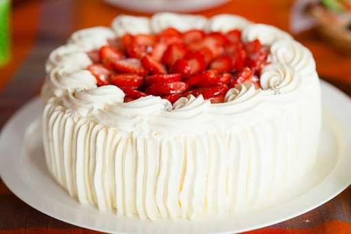 The 7 Best Cake Shops in Maine!