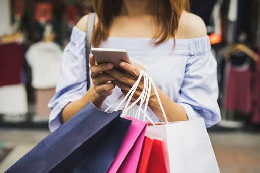 The 7 Best Shopping Outlets and Malls in Michigan!