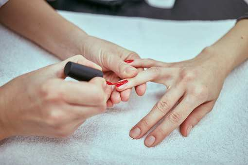 The 10 Best Nail Salons in North Carolina!