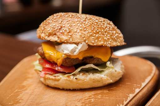 The 10 Best Burgers in Tennessee!