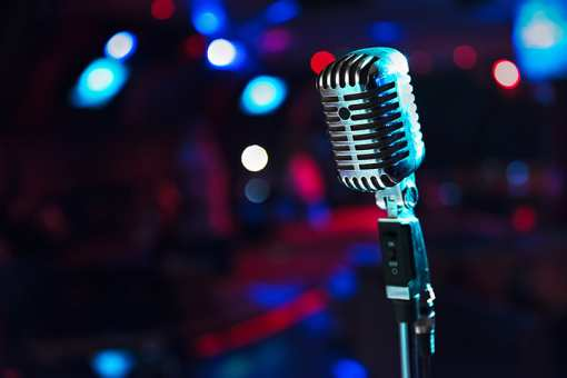 The 9 Best Comedy Clubs in Washington State!