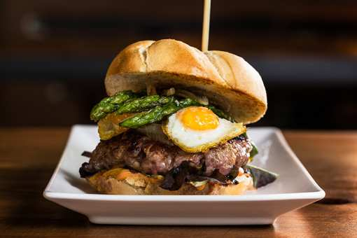 The 8 Best Burgers in Wyoming!